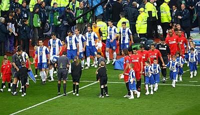 espanyol-barcelona-fc-sevilla-uefa-cup-finale_400x230